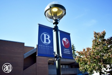 bellevue-college-pole-banners-19_gallery