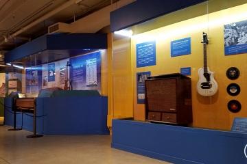 NAAM-jimi-hendrix-exhibit-install-094_gallery