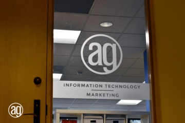 AlphaGraphics-Seattle-window-graphics-installation-15-1