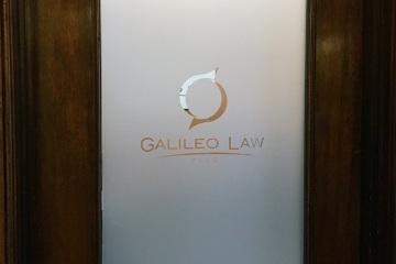 A295368-galileo-window-install-02_gallery