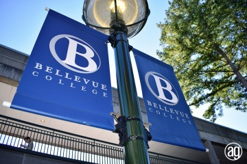 bellevue-college-pole-banners-26_gallery