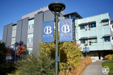 bellevue-college-pole-banners-58_gallery
