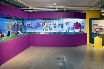 NAAM-jimi-hendrix-exhibit-install-053_gallery