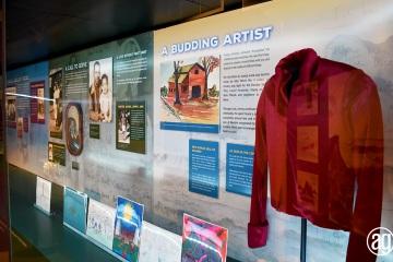 NAAM-jimi-hendrix-exhibit-install-061_gallery