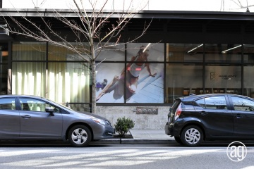 AlphaGraphics-Seattle-window-graphics-installation-18-1