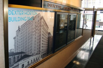 AlphaGraphics-Seattle-window-graphics-installation-36-1