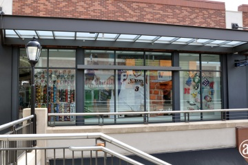 AlphaGraphics-Seattle-window-graphics-installation-40-1