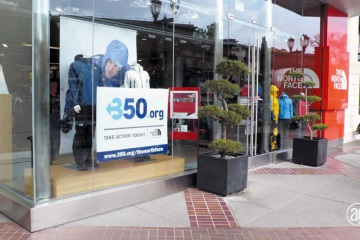 AlphaGraphics-Seattle-window-graphics-installation-49-1
