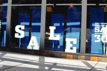 AlphaGraphics-Seattle-window-graphics-installation-53-1