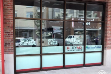 AlphaGraphics-Seattle-window-graphics-installation-56-1